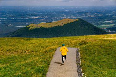 Asi každý ví, že při běhání se spalují tuky. Proto mnoho návodů, jak zhubnout, doporučuje běhání, jako efektivní prostředek, jak se zbavit nadbytečné tukové tkáně.