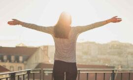 Ranní vstávání: Jak se ráno probrat a nastartovat